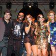 Thiago Abravanel, Thiaguinho, Alinne Rosa e Luiza Valdetaro subiram ao palco para cantar parabéns para Carol Sampaio
