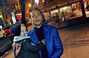 Neymar comemora o Dia dos Pais na Espanha na companhia do filho, Davi Lucca