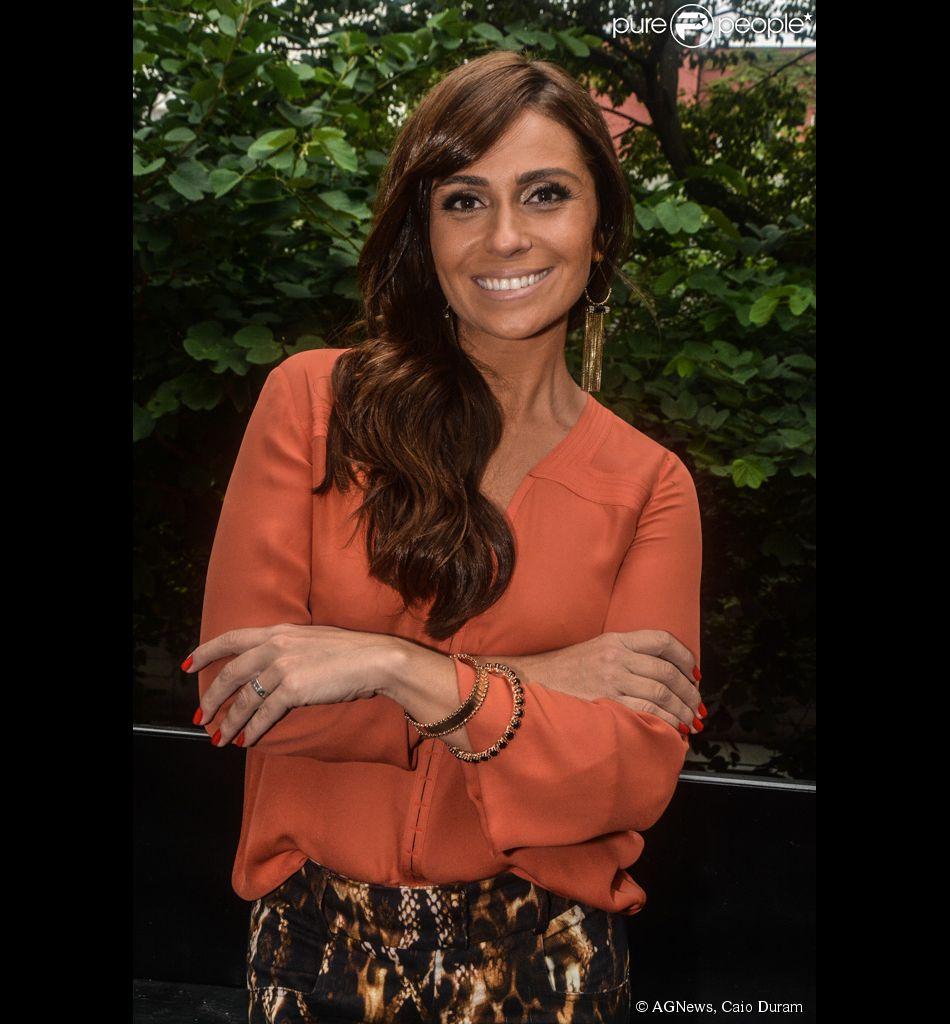 7163a3968 Giovanna Antonelli participa do lançamento da sua linha de esmaltes ...