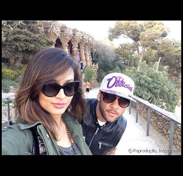 Thaíssa Carvalho está em Barcelona curtindo uns dias de folga com o namorado, o jogador Daniel Alves, como informou a colunista Patricia Kogut, do jornal 'O Globo', desta quarta-feira, 26 de março de 2014