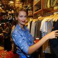 Yasmin Brunet prestigia lançamento de nova coleção da Eva