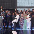 """Elenco da Globo se reune em festa """"Vem Aí"""", para apresentar a nova programação da emissora; Marcelo Adner subiu no colo de Cauã Reymond"""