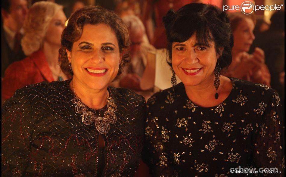 As autoras Thelma Guedes e Duca Rachid participam da cena final do último capítulo de 'Joia Rara', em 4 de abril de 2014