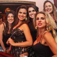 Laryssa Dias celebra aniversário de 30 anos na companhia de amigas