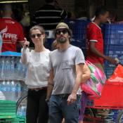 Alinne Moraes é clicada com cara amarrada em passeio com Mauro Lima no Rio