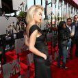 Vestido usado por Rita Ora possui bolsos nas laterais