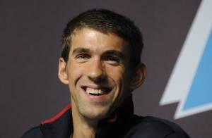 Michael Phelps volta a competir após 2 anos e tentará vaga nas Olimpíadas do Rio