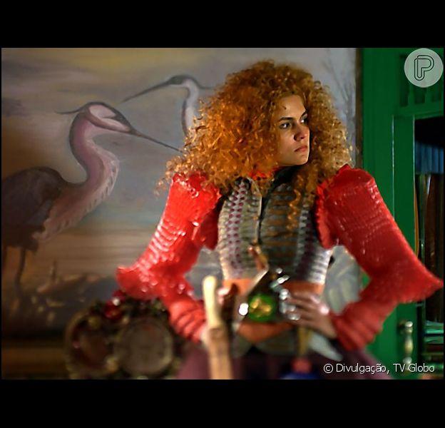 Gina (Paula Barbosa) fica mais feminina e  Renato (Bruno Fagundes) se encanta por ela, em 'Meu Pedacinho de Chão', em abril de 2014
