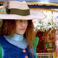Gina (Paula Barbosa) é conhecida com 'mulher-homem' em Vila de Santa fé, em 'Meu Pedacinho de Chão'