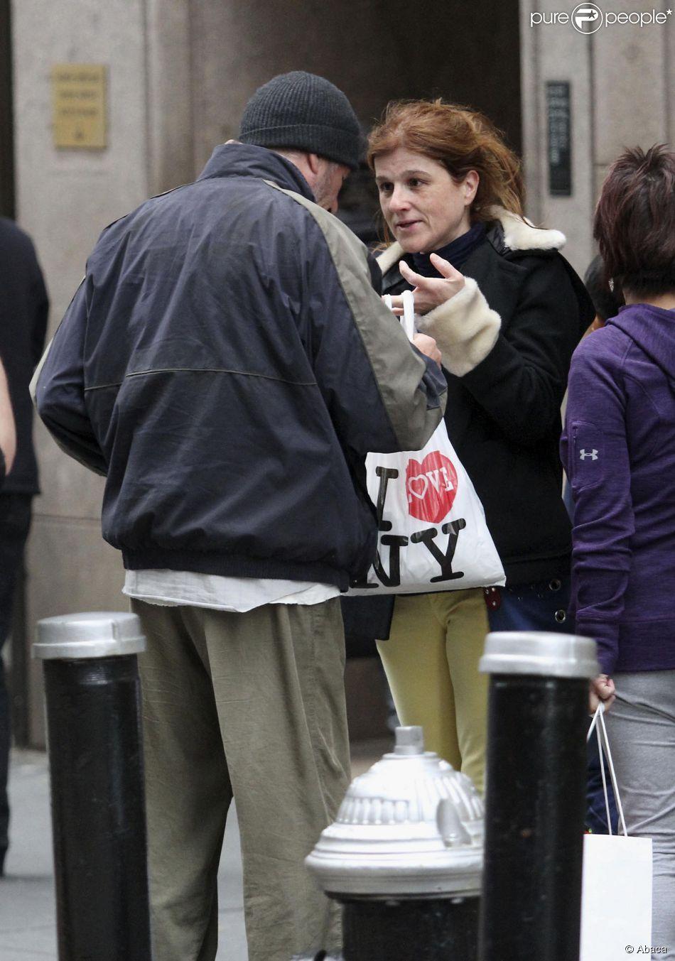 Vestido de mendigo, Richard Gere ganha pizza fria de turista francesa durante filmagens de 'Time Out of Mind'