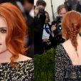 Kristen Stewart adora mudar a cor dos cabelos e os penteados. Com este look a atriz apostou em uma trança espinha de peixe com franja solta