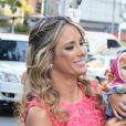 Ticiane Pinheiro usou tranças laterais bem fininhas no aniversário de sua filha, Rafaella Justus