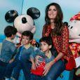 Isabella Fiorentino deu uma pausa nas gravações do programa 'Esquadrão da Moda' e aproveitou para curtir esta sexta-feira com seus filhos, os trigêmeos Bernardo, Lorenzo e Nicholas, de 2 anos de idade