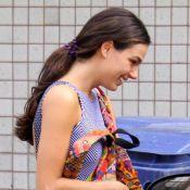 Isis Valverde alonga cabelo para novela e exibe tatuagem com dia de acidente