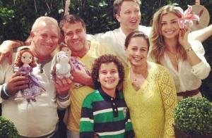 Grazi Massafera faz festa para Sofia em sua casa com a presença de Cauã Reymond