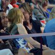 Nicole Kidman estava no maior chamego ao lado do marido, Keith Urban, durante o CMT Music Awards