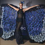 Ana Hickmann aposta em transparência e asas em baile: 'Borboleta'. Fotos!