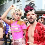 Sophie Charlotte, de paquita, curte bloco com Daniel de Oliveira e mais famosos