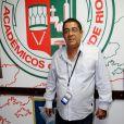 Zeca Pagodinho comemora 54 anos nesta segunda-feira, 4 de fevereiro de 2013