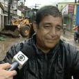 Zeca Pagodinho se emociona em entrevista à TV Globo. Chuva devastou e deixou dezenas de desabrigados em Xerém