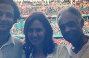 Gilberto Gil e Fabio Porchat assistem goleada da Holanda na Copa do Mundo
