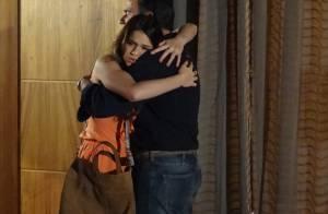 'Em Família': Luiza enfrenta Virgílio em briga e oferece o rosto ao pai. 'Bate!'