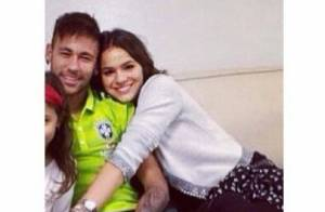 Bruna Marquezine visita Neymar durante concentração na Granja Comary