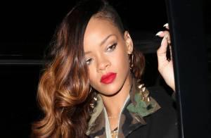 Rihanna muda visual, alonga os cabelos e vai a boate em Hollywood, nos EUA