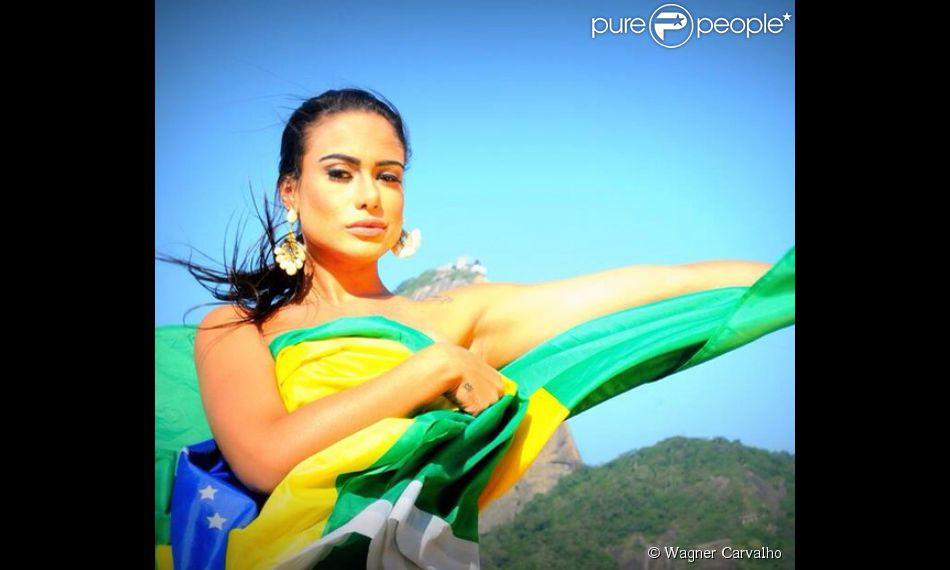Patrícia Jordane comemora o destaque internacional de seu ensaio para 'Playboy' e lamenta saída de Neymar da Copa. 'Um grande profissional'