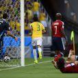 Thiago Silva marcou o primeiro gol do Brasil após cobrança de escanteio de Neymar