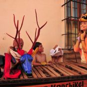 Elenco de 'Flor do Caribe' vai à Guatemala; veja fotos das gravações!