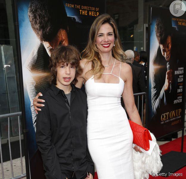 Luciana Gimenez e o filho Lucas prestigiam Mick Jagger na estreia do filme 'Get On Up', em Nova York, em 21 de julho de 2014