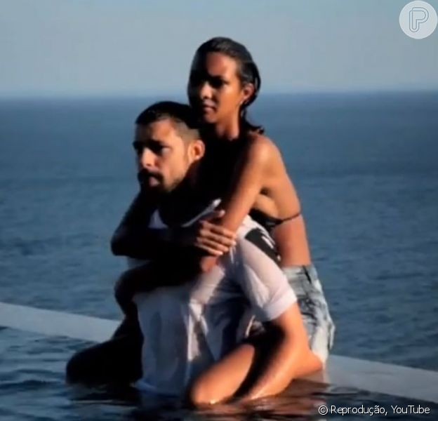Cauã Reymond posou com a modelo Laís Ribeiro para a campanha de verão 2015 da grife Ellus