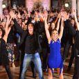 Ex-participantes das dez edições do quadro 'Dança dos Famosos' se reuniram no domingo, 27 de julho de 2014, no Theatro Municipal do Rio, para gravar a nova vinheta do reality show musical