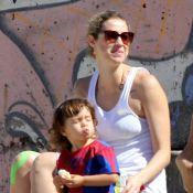 Luana Piovani curte praia com o filho, Dom, no Rio de Janeiro