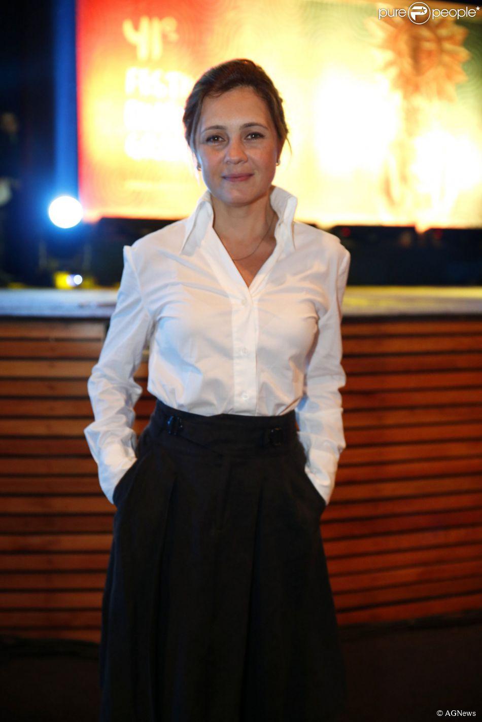 Adriana Esteves não está mais no elenco de 'Favela Chique', em 6 de agosto de 2014