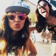 Bruna Marquezine e Stephannie Oliveira curtem dia de turistas em Los Angeles, nos Estados Unidos