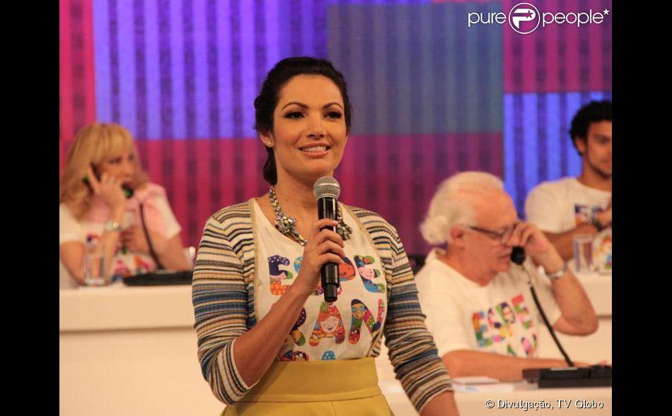 Patrícia Poeta foi uma das apresentadoras convidadas para comandar ao vivo o 'Mesão da Esperança' na noite deste sábado, 16 de agosto de 2014
