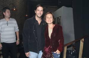 Adriana Esteves e Vladimir Brichta vão a show de Daniel Boaventura, no Rio
