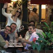 Ana Furtado encontra o marido, Boninho, e Luigi Baricelli em shopping do Rio