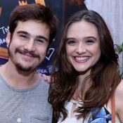 Juliana Paiva e Nicolas Prattes dançam na chuva e fãs vibram: 'Não aguento'