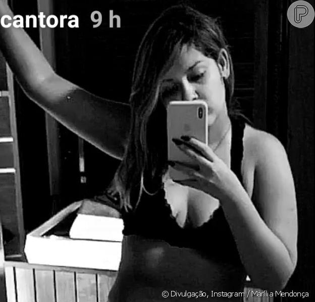 Marília Mendonça mostrou corpo mais magro ao posar de top e short curto nesta quinta-feira, 8 de novembro de 2018