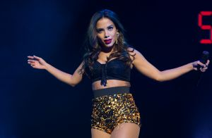 Anitta conta que só come fast food no exterior: 'Não queiram ver meu corpo'