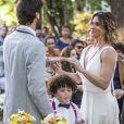 Luzia (Giovanna Antonelli) e Beto Falcão (Emilio Dantas) terminaram a novela casados e cercados pela família