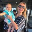Manuela, de 1 ano e 2 meses, roubou a cena no clique em família