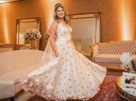 Marília Mendonça usa look com detalhes em Swarovski em casamento. Saiba mais!