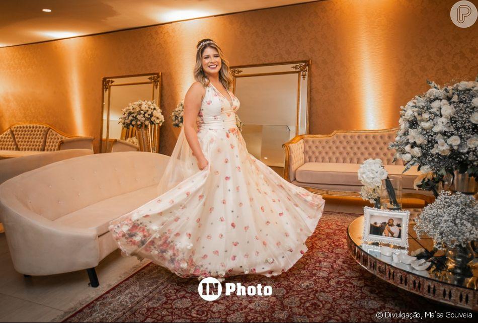 Marília Mendonça usou um vestido da estilista Maísa Gouveia