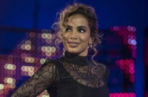 Anitta segue tratamento com remédio após revelar depressão: 'Cuidar sempre'