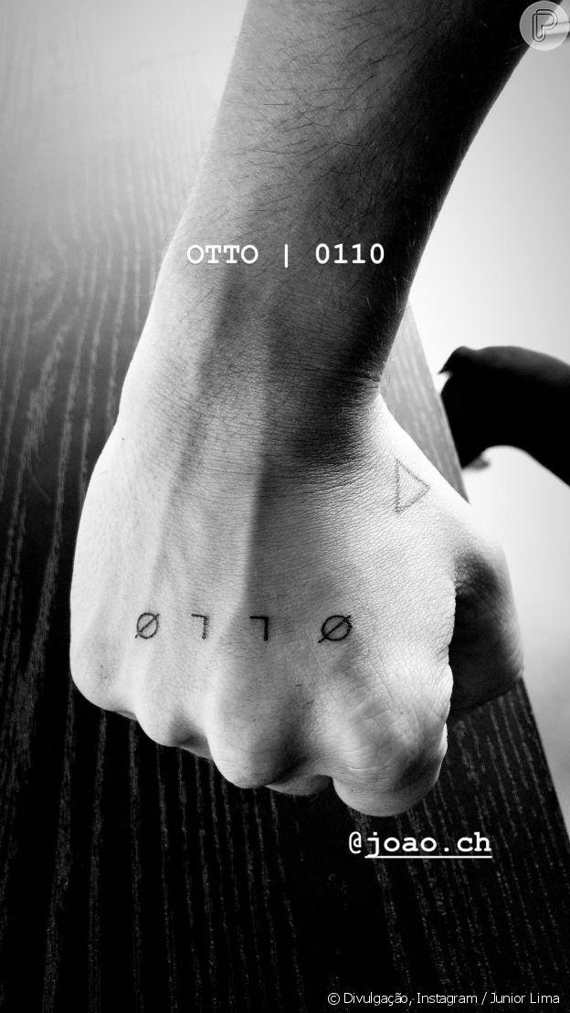 Junior Lima fez uma tatuagem em homenagem ao filho, Otto, nesta sexta-feira, 23 de novembro de 2018