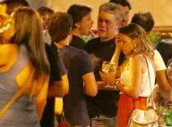 Fabio Assunção curte point carioca com amigos e recebe carinho de fãs. Fotos!